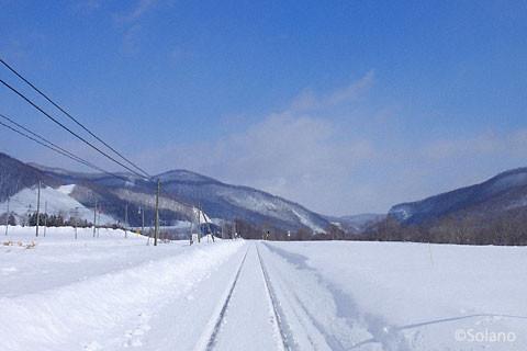 旧白滝駅、東側の雪景色。