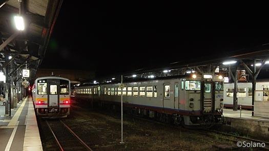 夜が明けきらぬ午前5時の津山駅