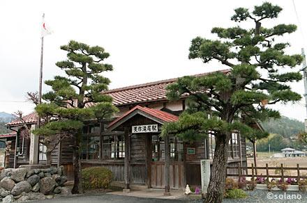 美作滝尾駅の木造駅舎