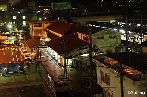 夜の津山駅駅舎。