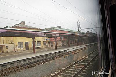 EC77車窓1、チェコのとある駅