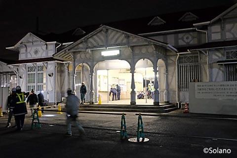 浜寺公園駅、終電が出て封鎖される旧駅舎