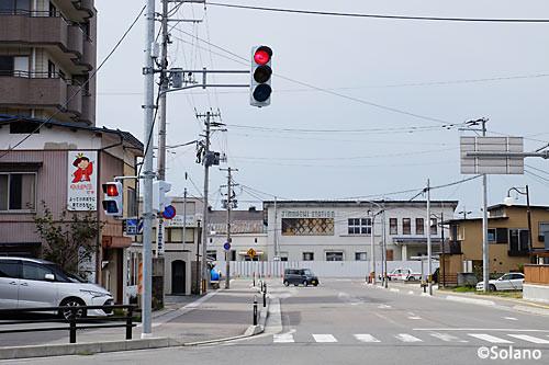 JR東日本・奥羽本線、神町駅駅舎と駅前