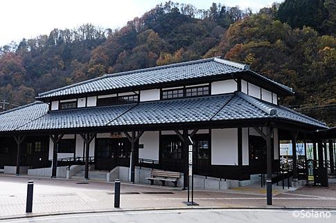 えちぜん鉄道、直営のカフェ・えち鉄CAFEが入る勝山駅
