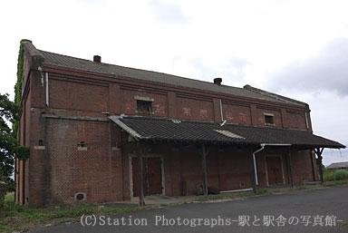 今津駅近くにあるレンガ造りの農業倉庫