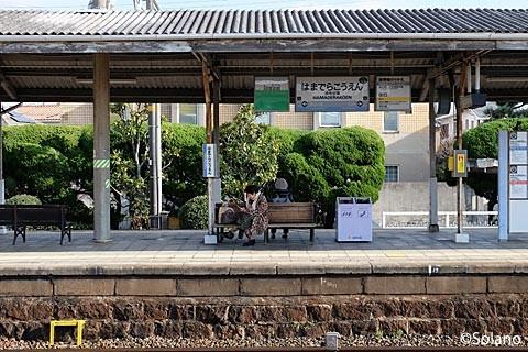 浜寺公園駅、古い石積みが残るプラットホーム