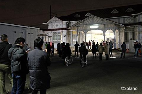浜寺公園駅、駅舎引退まであと数分が迫った頃…