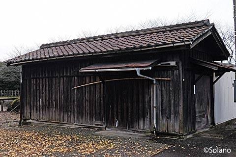 長良川鉄道・富加駅の木造倉庫
