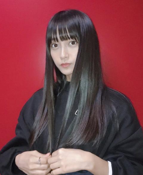 小山リーナ