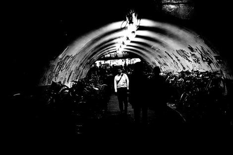「のんべい横丁山手線高架橋下」