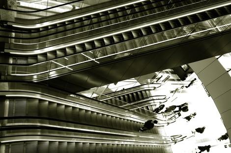 20171027 Escalator-Shibuya Hikarie 1