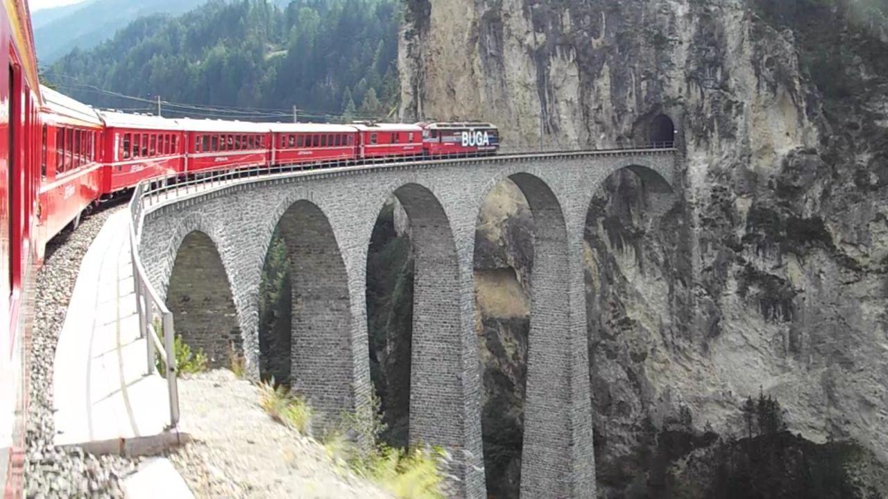 レーティッシュ鉄道アルブラ線・ベルニナ線と周辺の景観の画像 p1_7