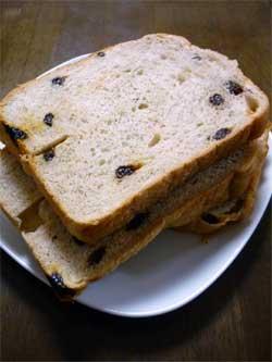 全粒粉レーズン食パン