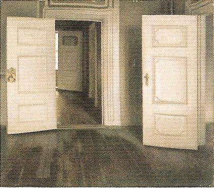 白い扉、あるいは開かれた扉