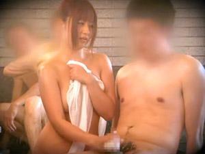 成瀬心美 タオル一枚で男湯に放り込まれた巨乳娘が素人男性相手にエロミッションをさせられる!