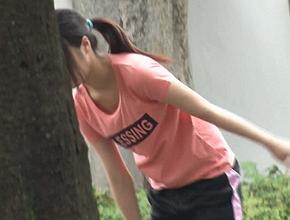 公園で運動をしていた中●生が突然強姦被害に遭う瞬殺犯行動画!