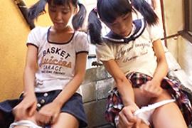 【流出】日本終了。●学生が真昼間から路地裏でイタズラされる時代に…