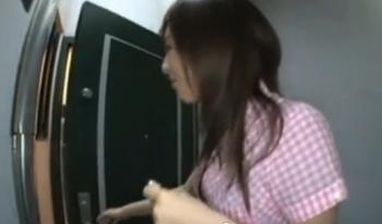 【サプライズ】「エッチの時間です♪」AV女優がファンの自宅でセックス 雪見紗弥