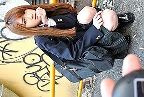 『声出ちゃうよ…』現役女子校生にリモバイ仕込んで都内を散歩!