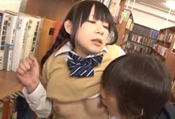 彼氏と一緒に図書館に勉強しに来た美少女JKを物陰に連れ出して…ブチ込む!