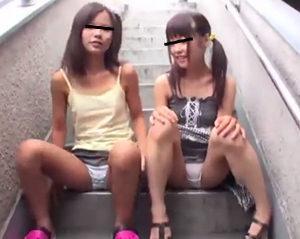 【個人撮影 ロリ】団地の階段でパンチラ連発する小○生に興奮抑えきれずマンズリぶっかけ!||