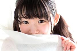 【合法ロリ】中○生みたいな愛らしい甘えん坊少女とナンパSEX!