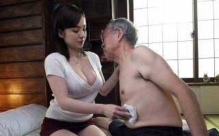 【吉川あいみ】ボケ始めた義父のセクハラに美巨乳ボディが疼く。手コキ・フェラ・オモチャ調教