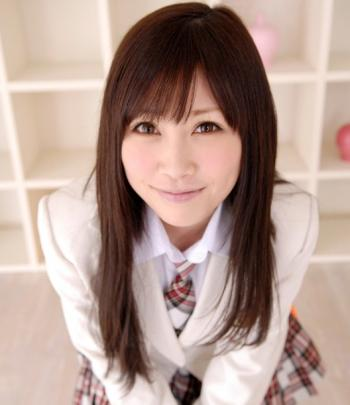 【デビュー当時と現在】 やまぐちりこ&やまぐちりく の場合! 中西里菜として元AKB48に所属。そして彼女はカメラの前で裸になった・・・実の妹も一緒に・・・。