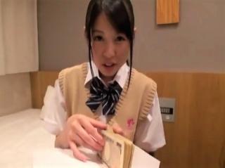 【素人ナンパ】制服娘限定!賞金100万円目指して、くすぐり我慢!10分間我慢できるか?罰ゲームはもちろん…