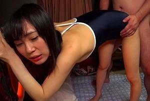 【北川ゆず】 近所のおじさんと子作りセックスをするパイパン娘