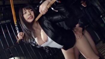【上原亜衣 波多野結衣】美人捜査官が拘束されておっぱいポロリしながら後背位で犯されるwww