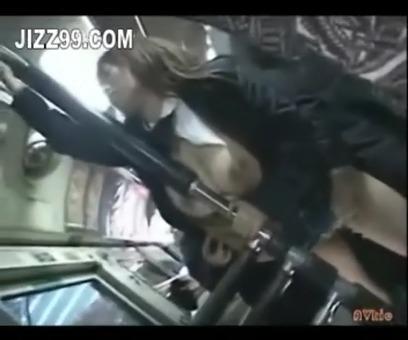 【痴漢レイプ動画】バスで爆乳JKを痴漢し発情させて犯す