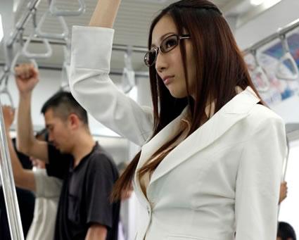 【エロ動画】JULIA キャリアOLがボロボロに犯される