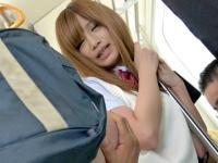 柴咲エリカ 痴漢され悶々とした美少女JKが教室でハメ狂う