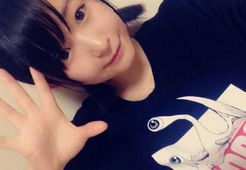 【ロリ】普段アキバのメイドカフェでバイトしてる美少女が脱いだらムチムチ巨乳で中出し大好きだったw浅田結梨
