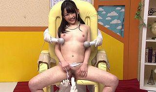 女子アナが淫語を織り交ぜ、スケベな商品を実演TVショッピング