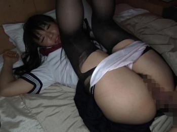 【本田奈々美】JKピュア美少女がマンコごっぷり固ハメで中年チンポを繋ぎ侵されゴムなしピストン感じまくる援助交尾中出しセックス
