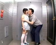 【ごっくんJS】純真無垢なJS幼女にフェラチオ教えて小さいお口にドクッドクッと口内発射ごっくんさせるロリコン親父ww