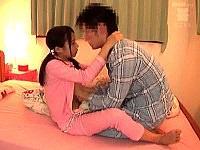 【JCロリ 近親相姦】夜な夜な中○生の娘とセックスする父親ww||