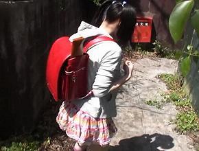 【衝撃動画】帰宅途中に拉致された小◯生が人気のない場所で強姦被害に…