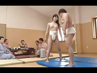 あの相撲部屋に入った美少女が先輩力士に稽古と言いくるめて集団レイプ