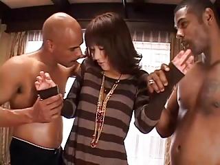 【素人】規格外の黒人のデカマラねじ込まれ3Pセックス
