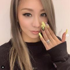 倖田來未、結婚記念日に指輪を披露も違う部分で注目「爪が汚い!」