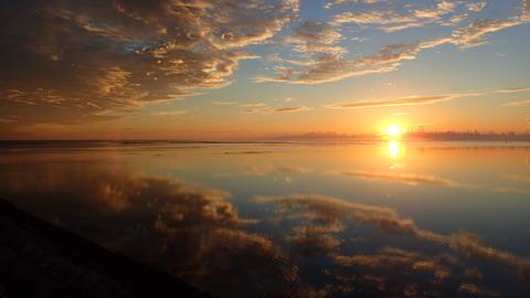 空と海の鏡艶川合