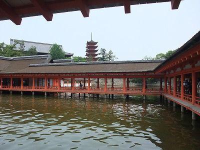 満潮時厳島神社