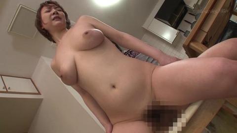 ど痴女で淫乱な叔母と近親相姦 (15)