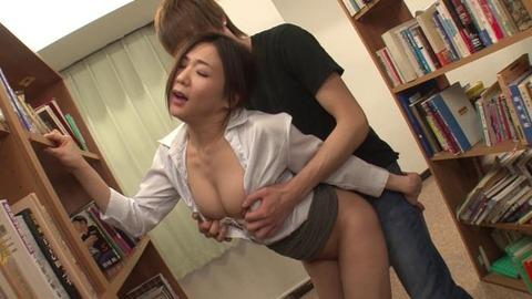 図書館で媚薬オナニー&SEX (18)