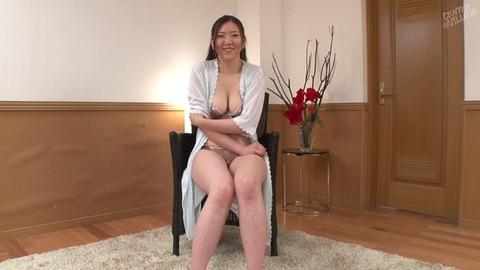朝川奈穂 (22)