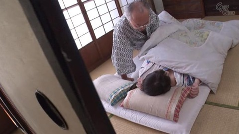 斉藤みゆ (27)