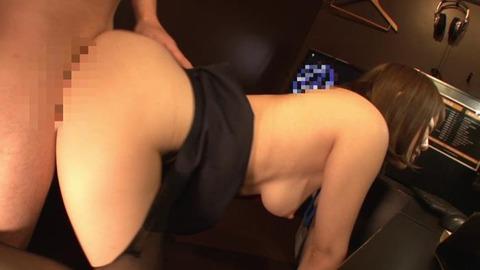 ねっとりフェラで虜にするソソる女子店員 (48)